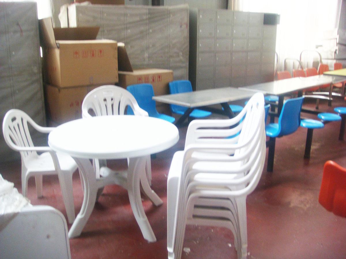 供应塑料桌子椅子