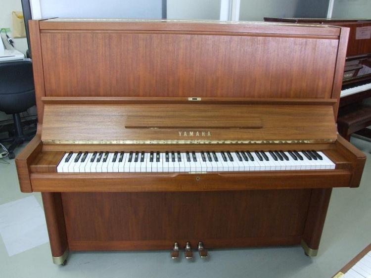 现在大家都把生产钢琴作为能够圈钱的普通商品,家具厂转型生产钢琴