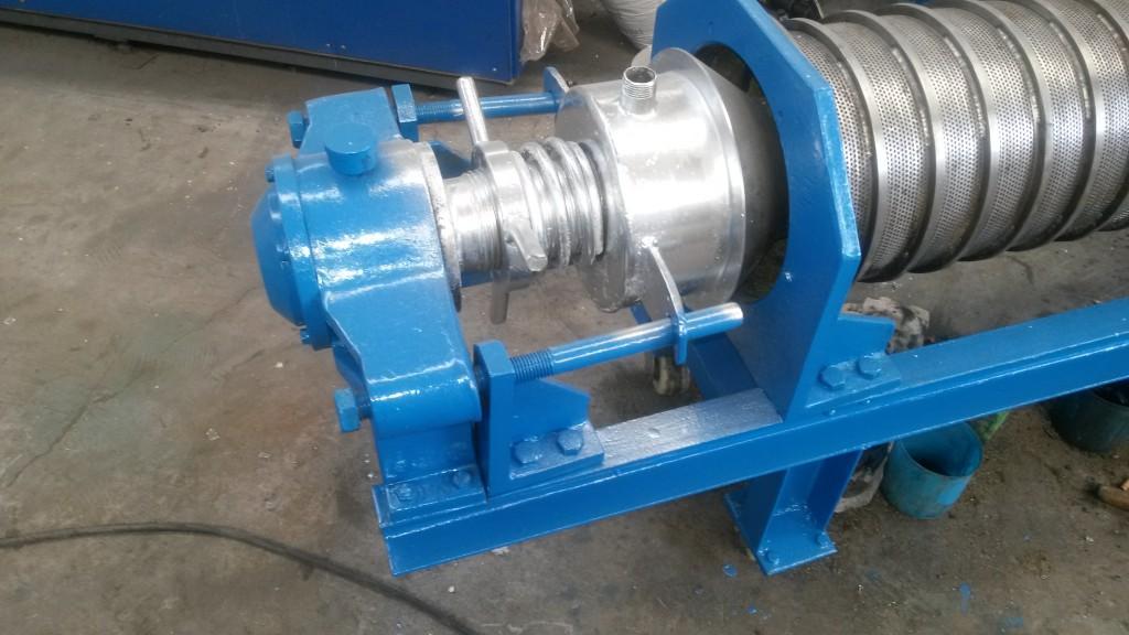 新乡压榨机总汇双螺旋连续式挤压机