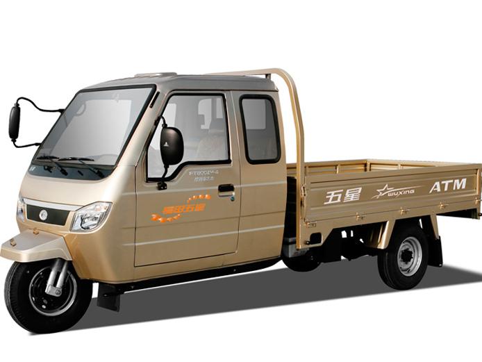 800ZH 8 BA 全封闭卧铺驾驶室 福田三轮摩托车 三轮车价格图片
