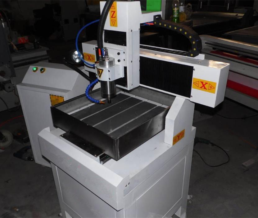 供应3030模具雕刻机 数控金属铣雕机
