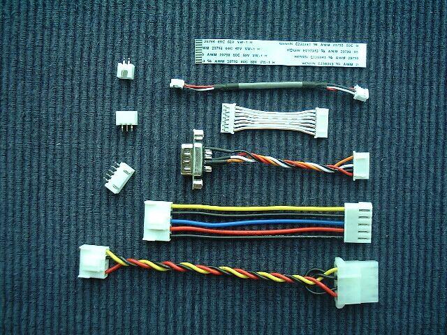 其它脚距电线组合连接器