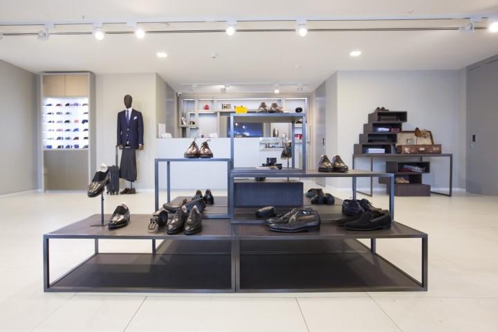 服装鞋子烤漆展柜柜台展架展台生产安装