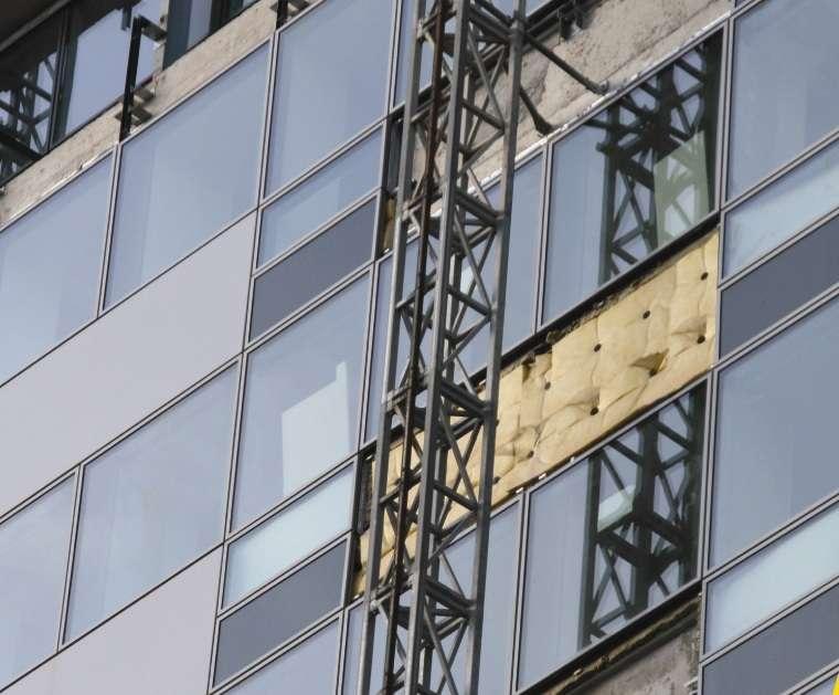 来安奔腾钢结构/滁州防火幕墙/滁州建筑防火玻璃隔断墙