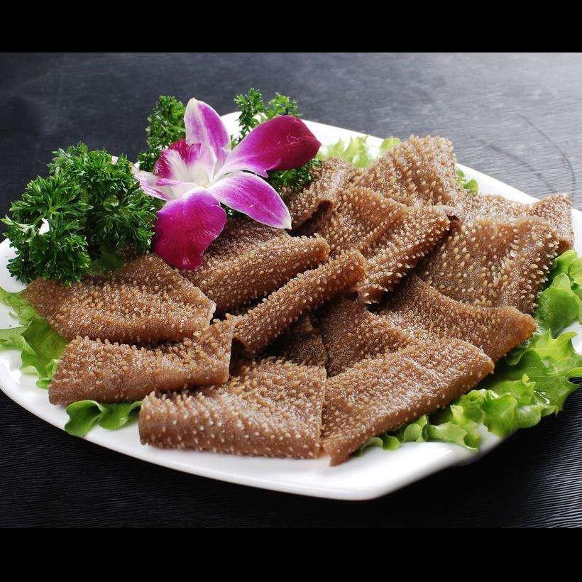 重庆的毛肚火锅,用料,用味独具特色.