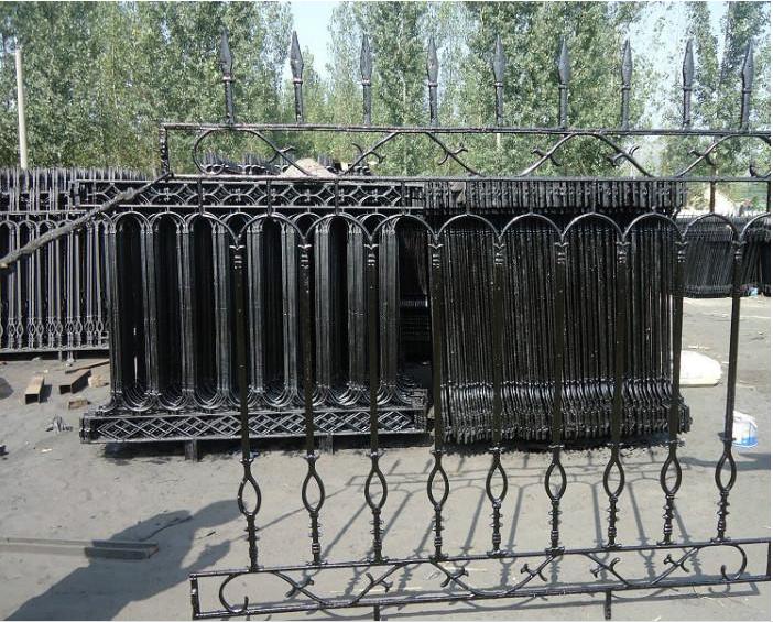 河南郑州铸铁护栏铁艺栏杆锌钢围墙护栏定制工艺大门