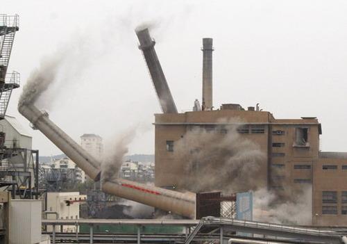 濟源煙筒定向拆除公司