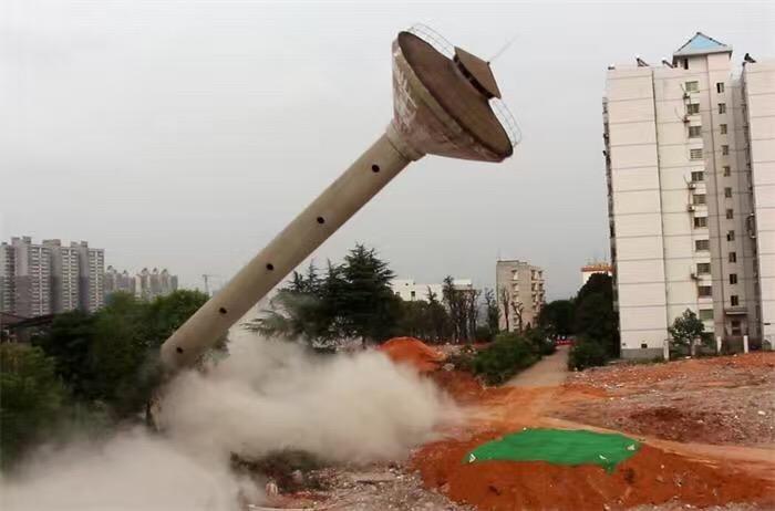 邯鄲25m滑模煙囪爆破拆除公司