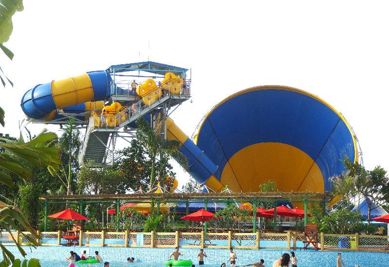 水上乐园设备,泳池清洁设备,泳池水消毒药剂,泳池水处理设备,水上游乐图片