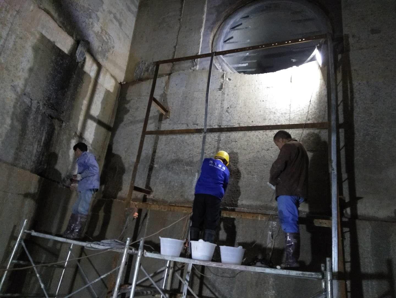 宝鸡专业地下顶管井防水堵漏