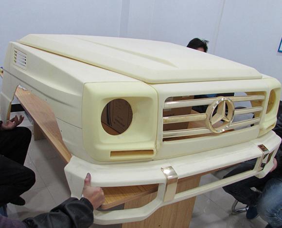 汽车模型用什么材料好,这个得根据需求的不同来定的,比如我们模型CNC加工:   1、常规的CNC手板加工,一般选用ABS材料,这种材料制作手板容易加工,手板后处理也比较漂亮.拉丝氧化处理。   2、透明产品的CNC手板加工,可选用PMMA(亚克力)、透明ABS、透明PC等材料.这些材料制作出来的手板,通过抛光,透明度极高,达到跟真产品一样的效果。   3、耐磨性产品的CNC手板加工,可选用POM或PA.