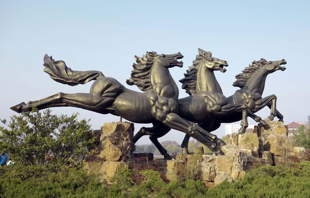 汕头铜马雕塑