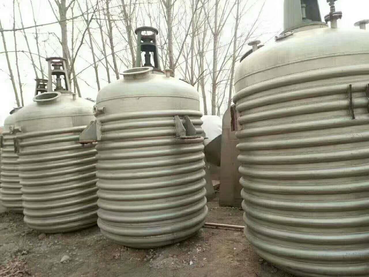 乌鲁木齐长期出售二手不锈钢储存罐