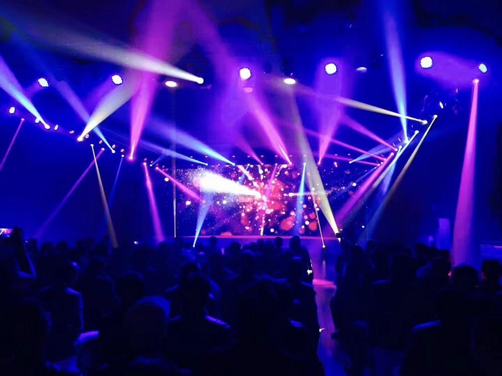 上海小型舞台灯光设备租赁多年搭建经验