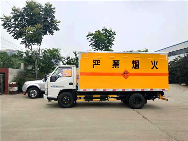 载货汽车底盘 商标名称 江铃牌 生产企业 江铃汽车股份有限公司 轴数
