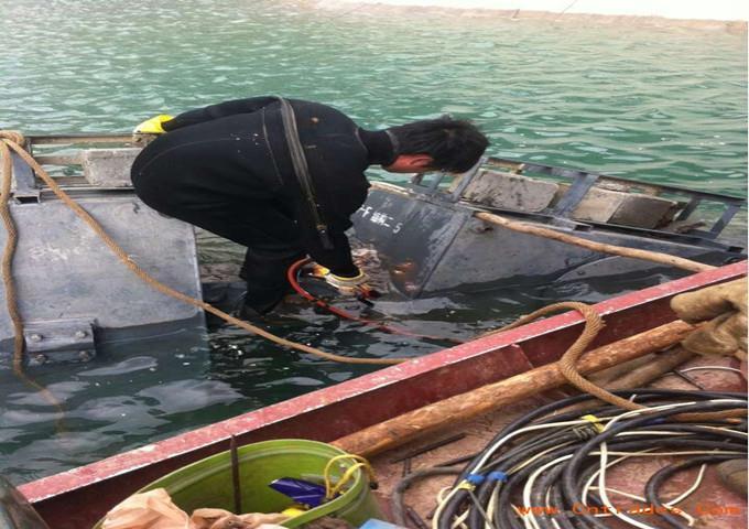 哈密管道封堵公司 潜水员封堵