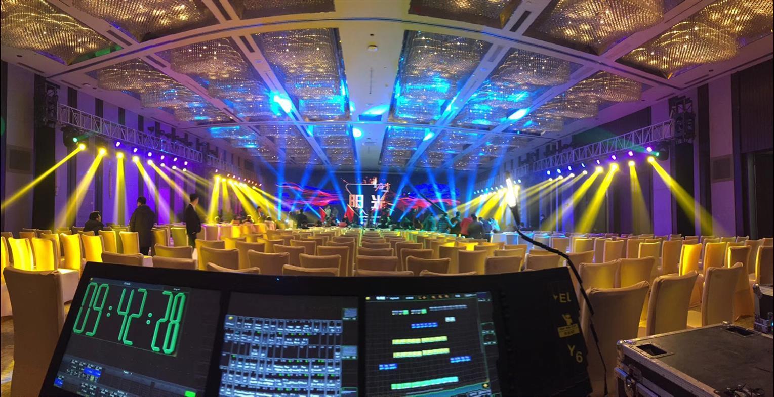 上海年会LED显示屏搭建安装技术支持