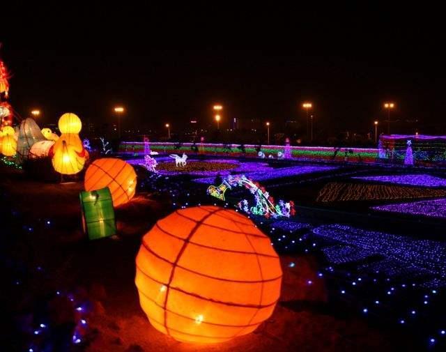 滁州梦幻灯光节设备价格