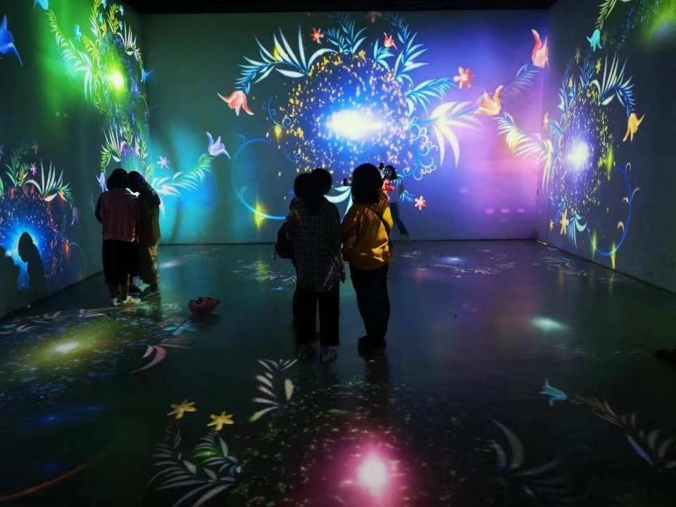 锦州光影艺术展如影随形活动方案