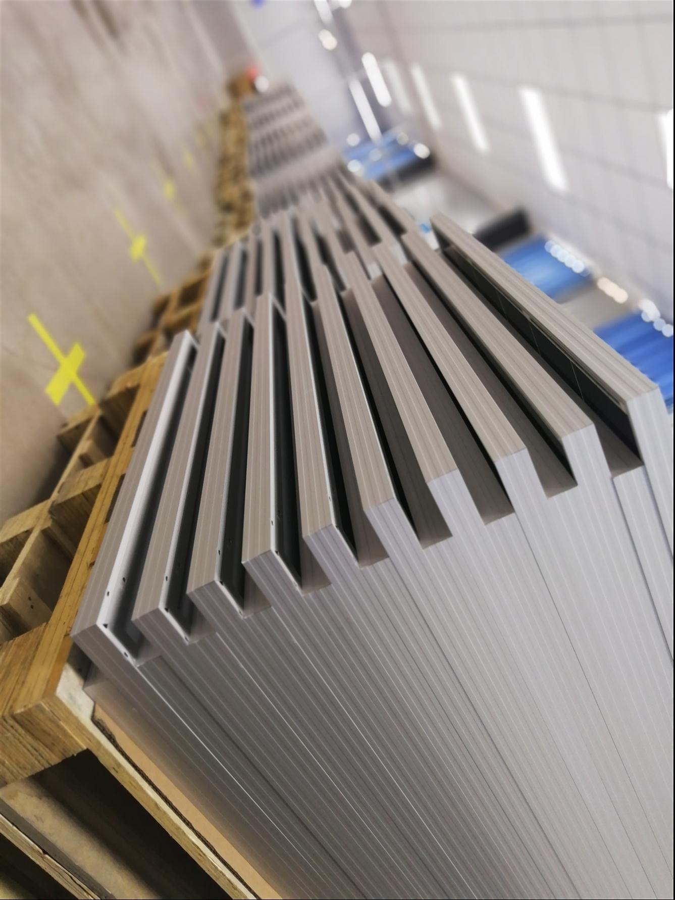 太阳能电池板生产厂家