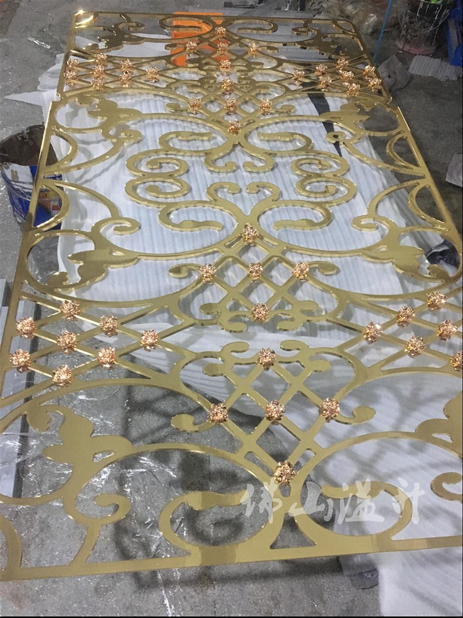 铜艺立体镂空花格隔断