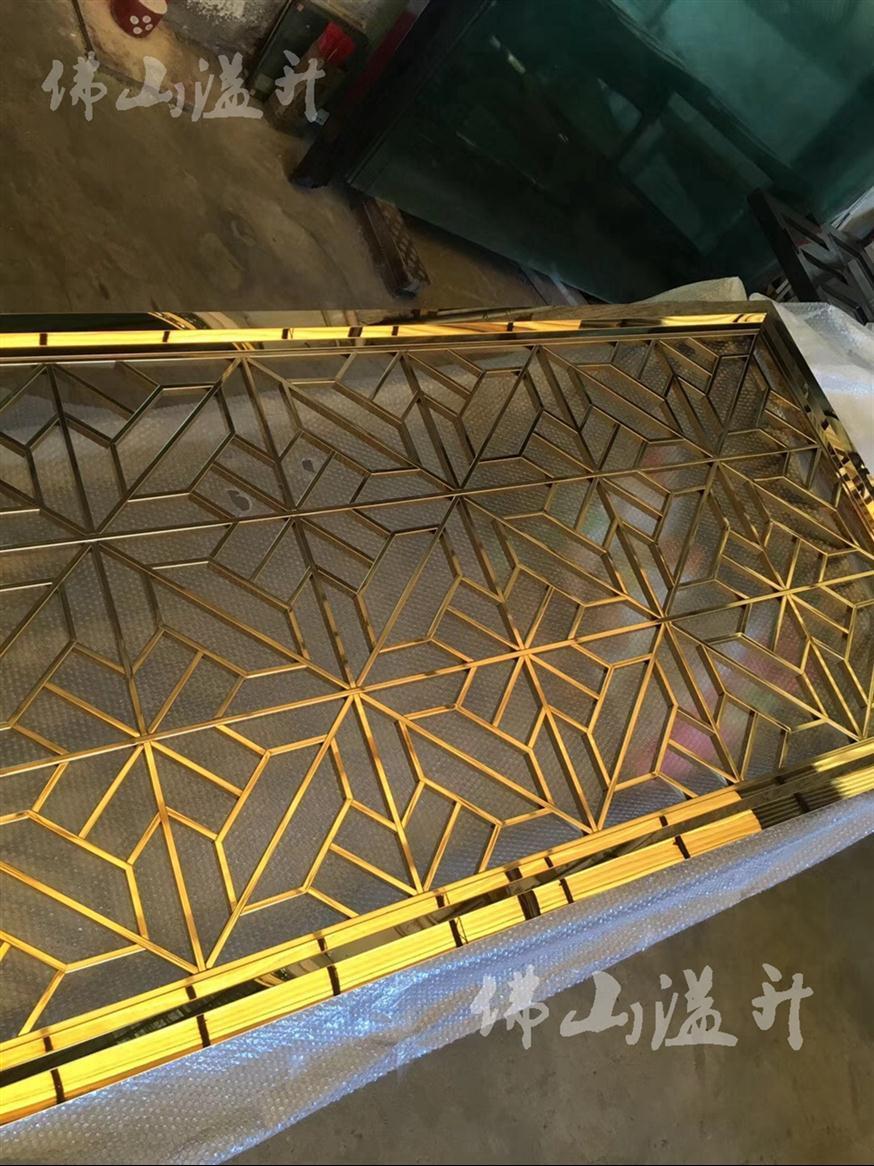 天津铝板雕花隔断厂