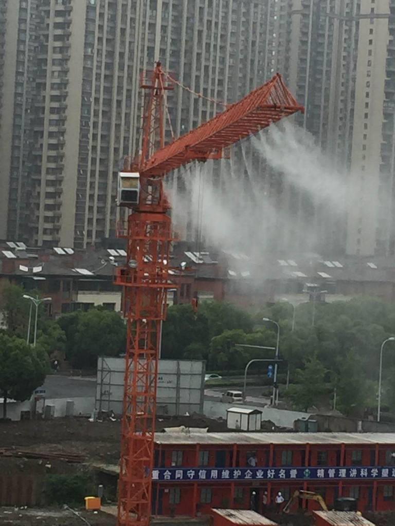 银川工地塔吊喷淋系统定做