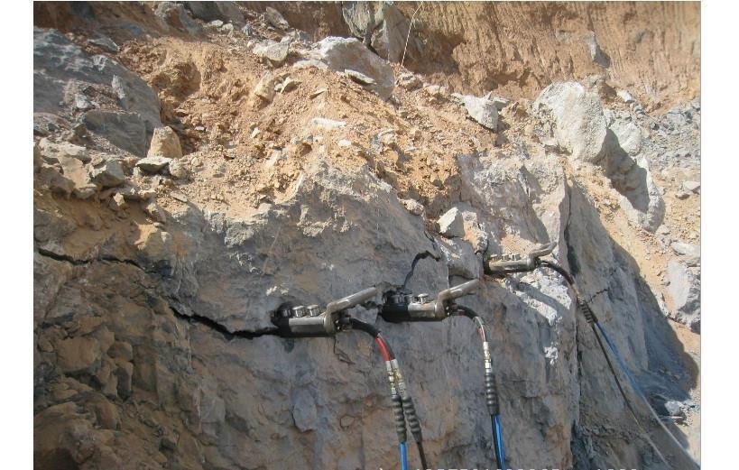 非开挖顶管岩石拆除岩石劈裂棒销售价格