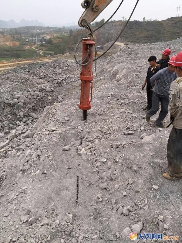 四方桩岩石拆除机械液压劈裂机生产