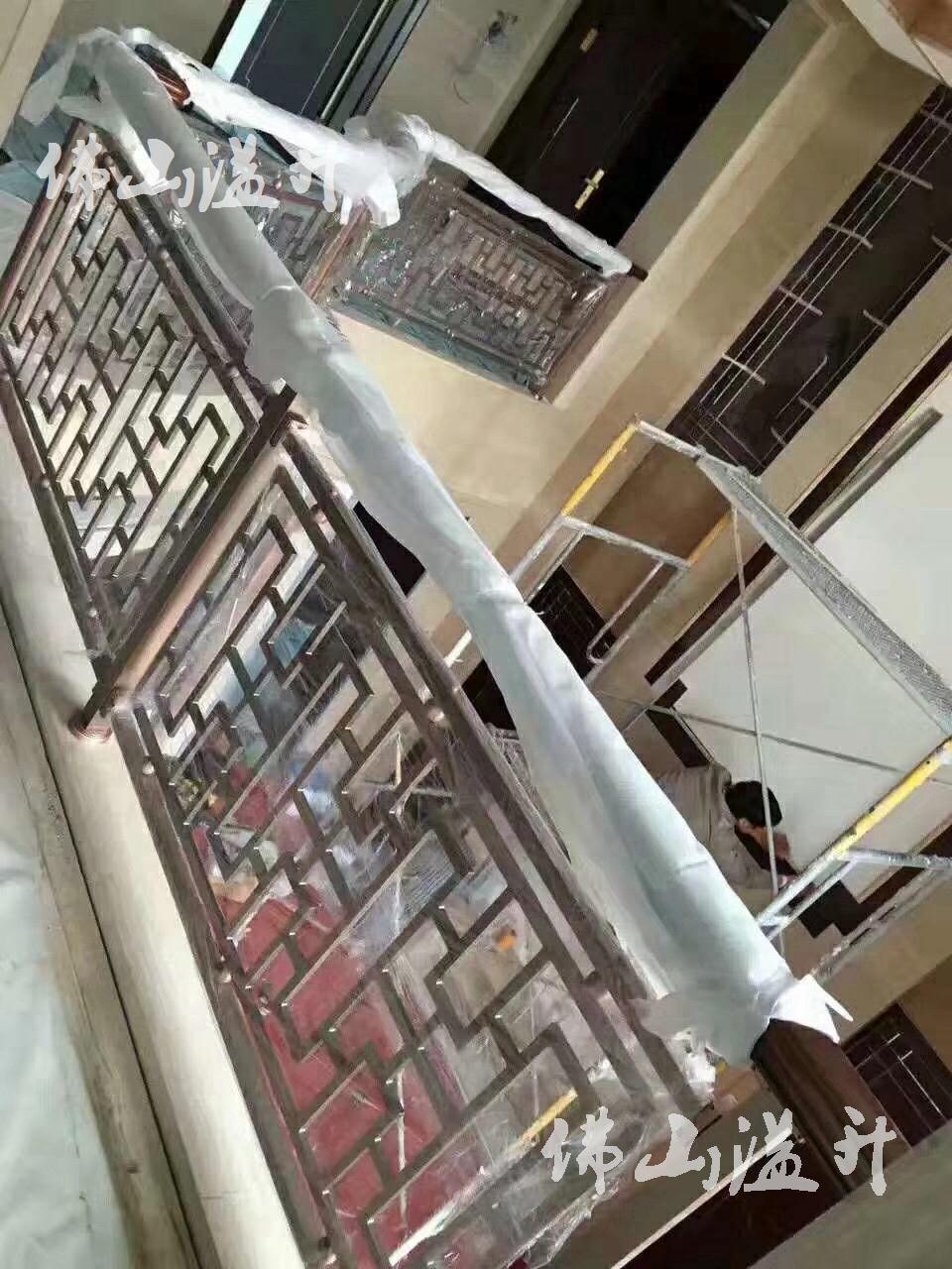 海口中式别墅铝雕花楼梯扶手