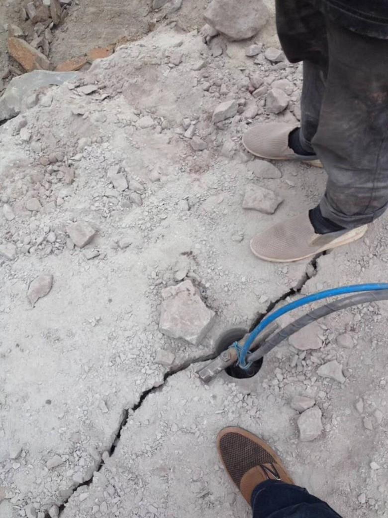 矿采不能放炮成本低劈裂机石设备