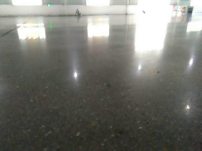 深圳南湖水泥地钢化处理