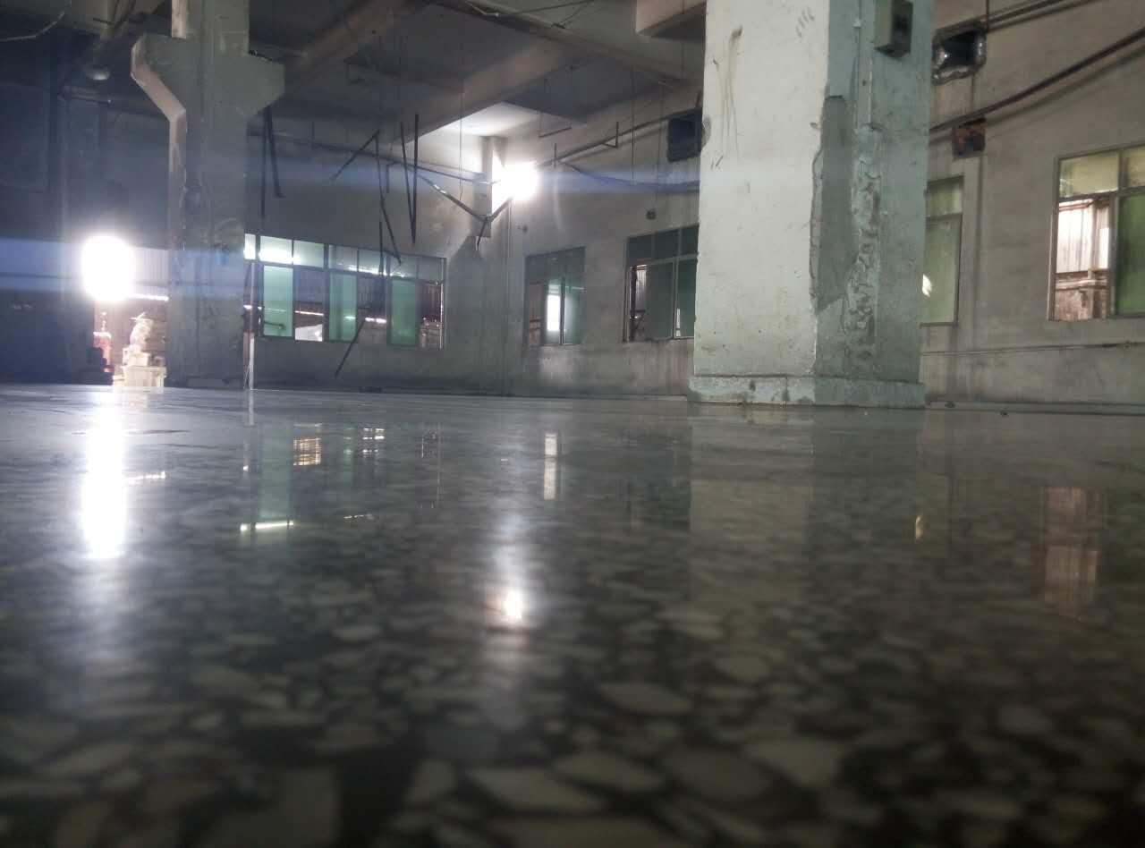 贵港市覃塘区水磨石起灰处理
