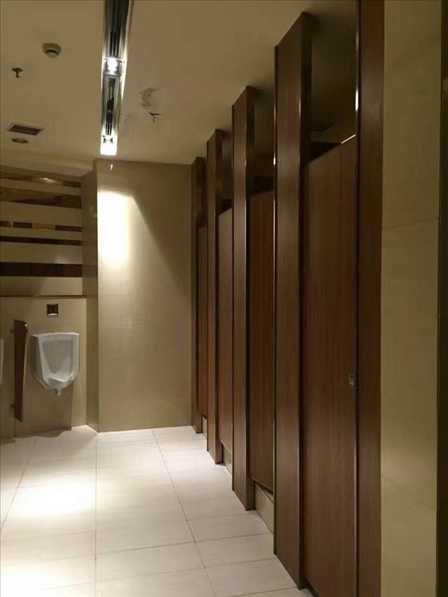 高端洗手间间隔价钱