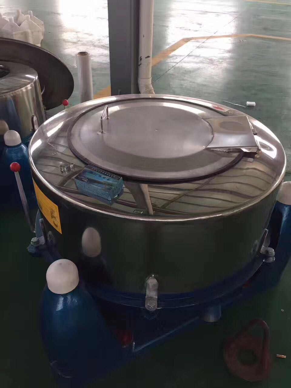 扬州海狮大型产业脱水机-离心甩干机-旅店桌布洗涤离心脱水机 大型甩干机 脱水机厂家