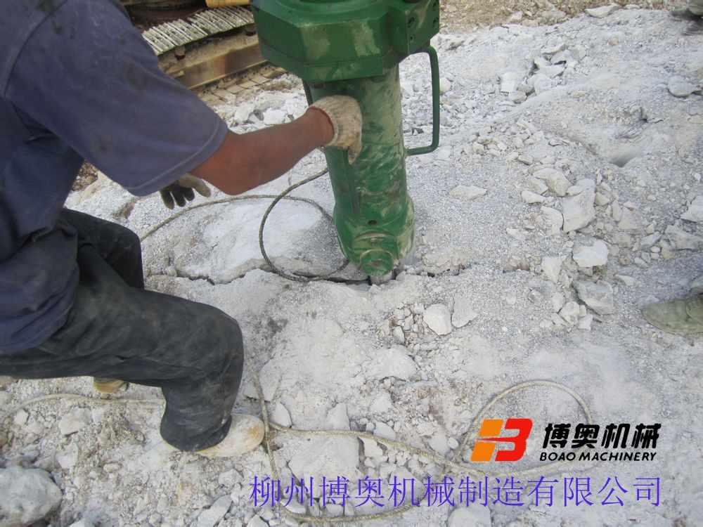 膨胀石头机载劈裂机使用方法