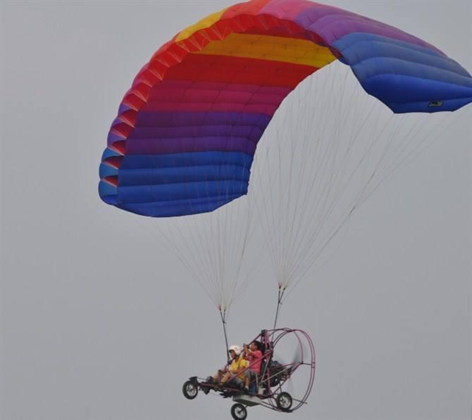 唐山动力伞空中广告