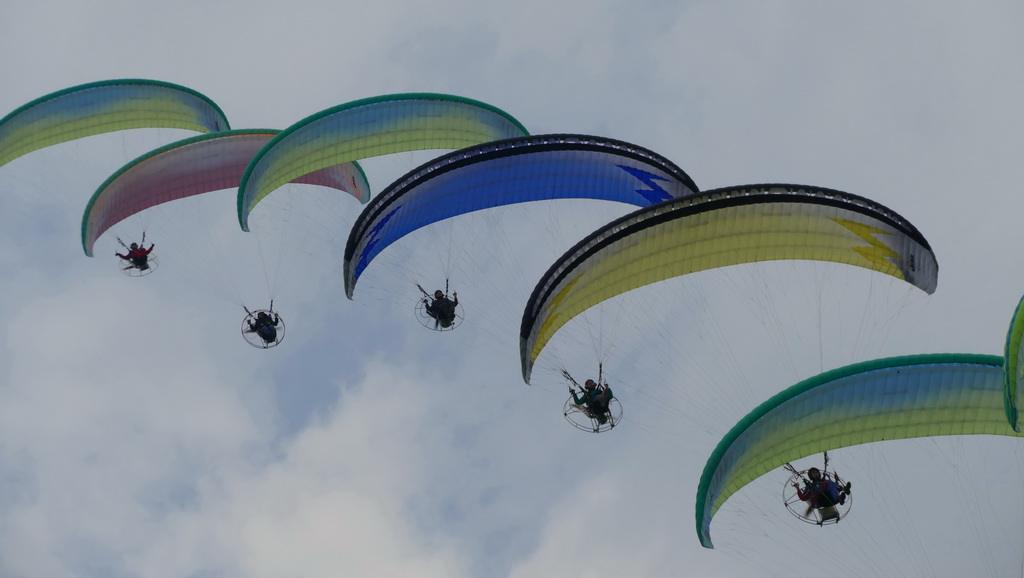 惠州动力伞空中广告