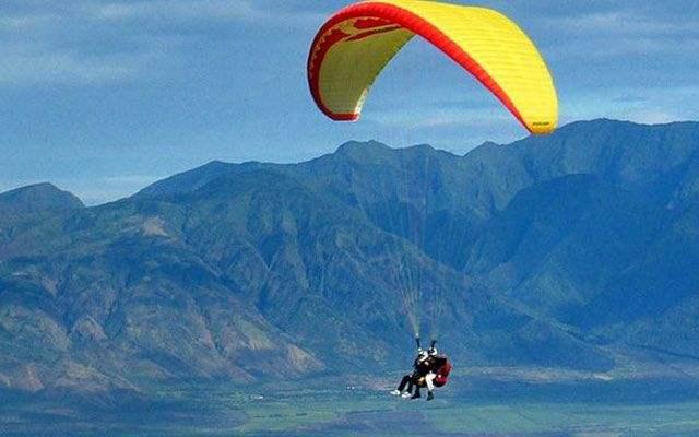 湖州滑翔伞极限运动