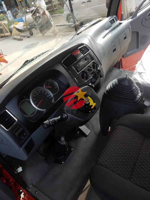 赤峰东风多利卡D8驾驶室