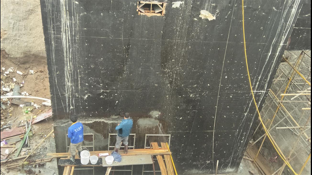 窗户渗水维修施工