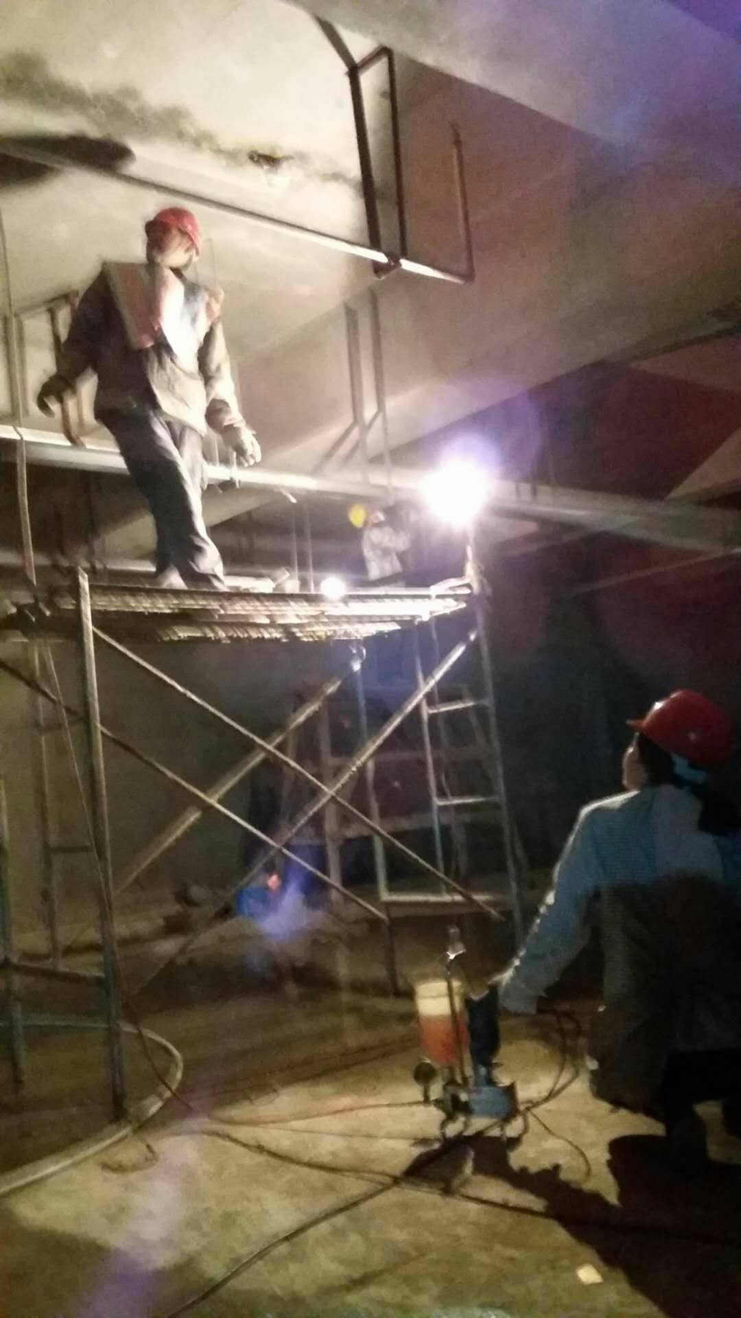 安康地铁渗水维修