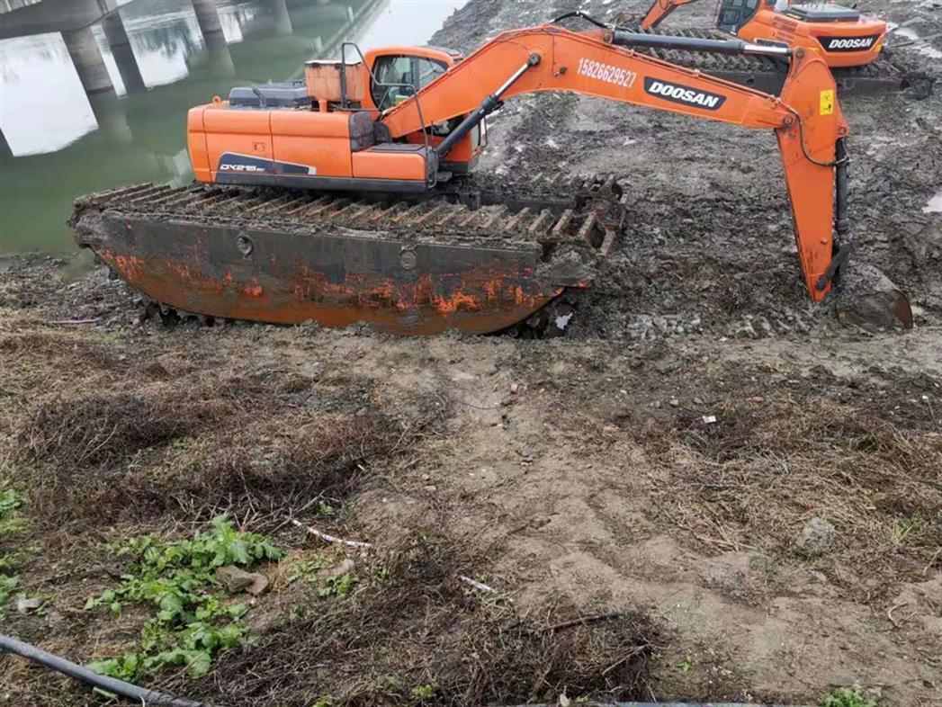 泰州水陆挖机出租费用