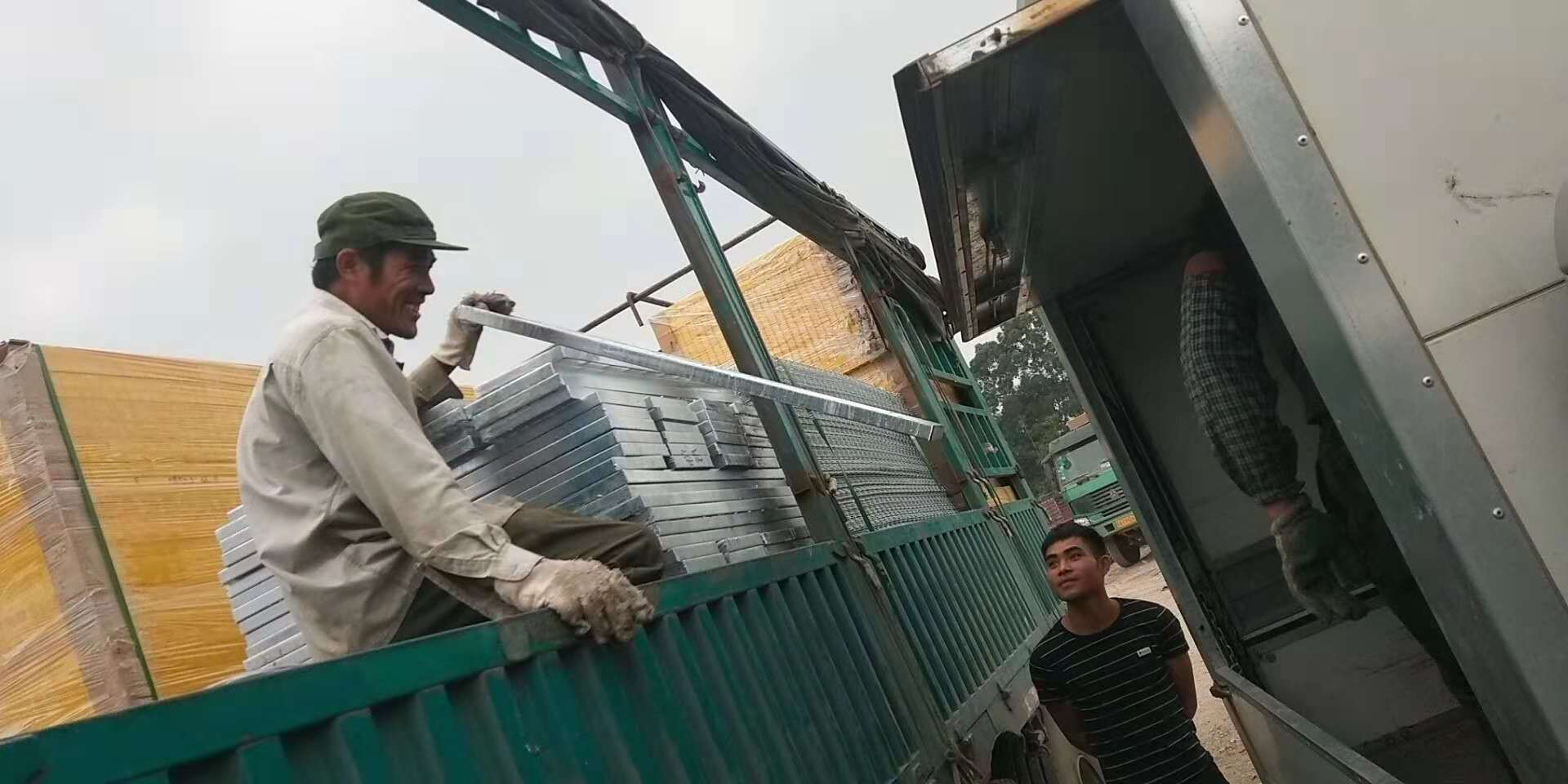 深圳钢格板规格
