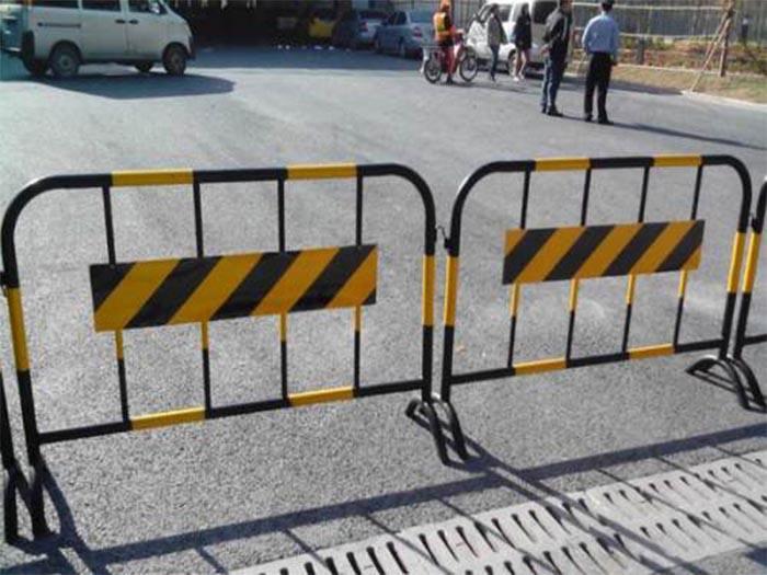 贺州铁马护栏定制