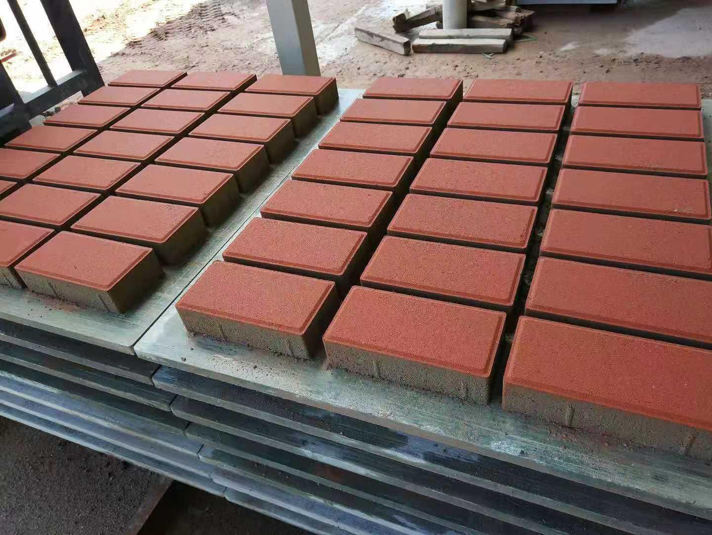 富山工业区广场砖加工