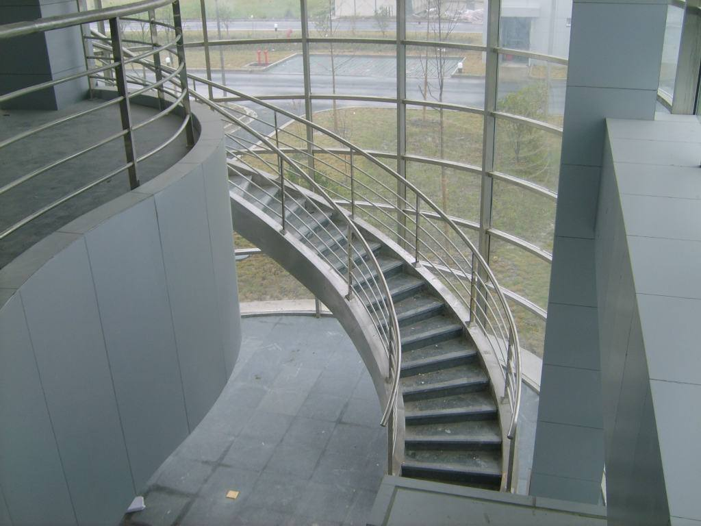室外鋼結構樓梯加工