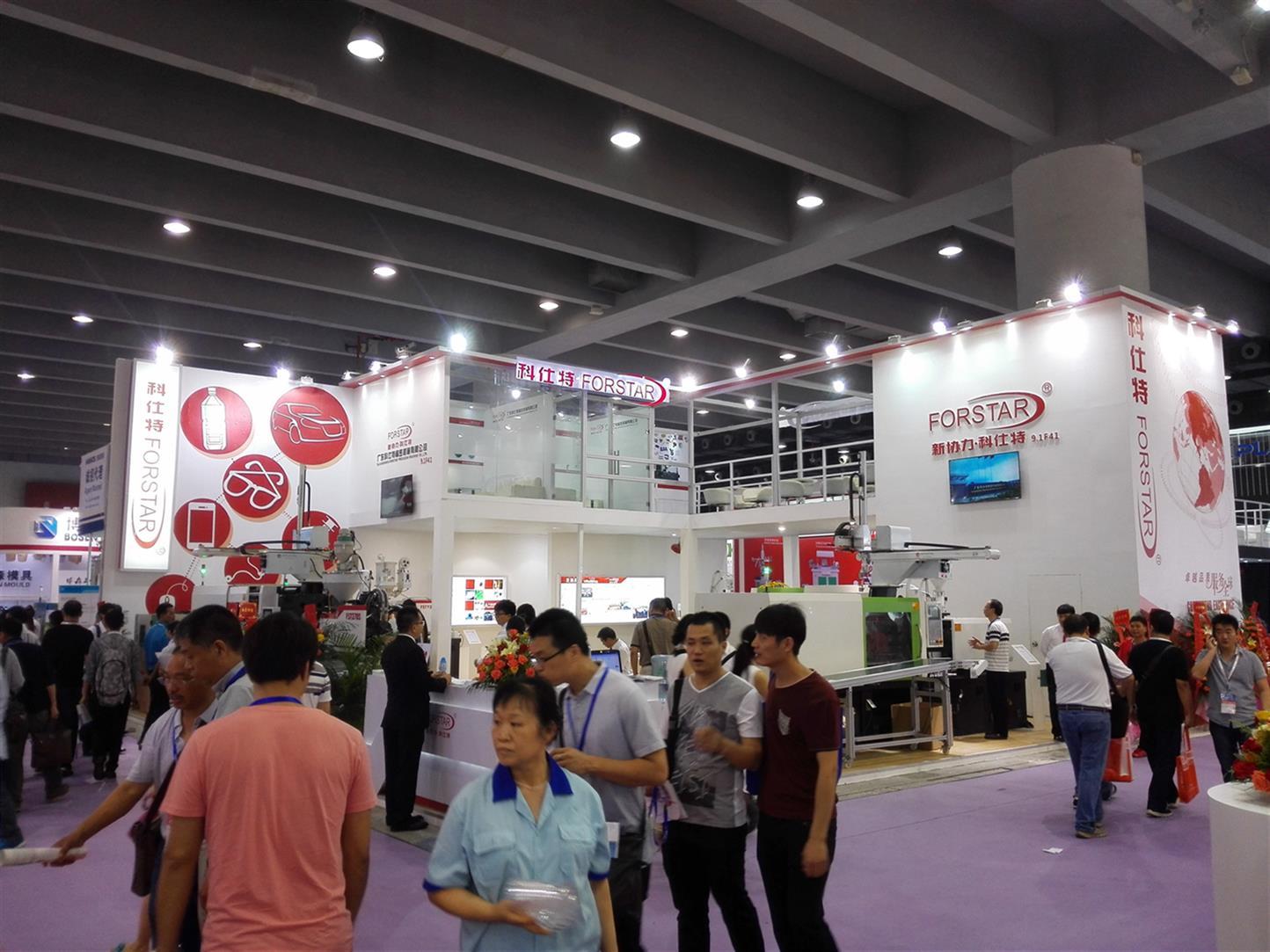 广州橡塑展展柜制作