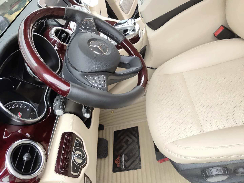 南京奔驰V220实木地板改装