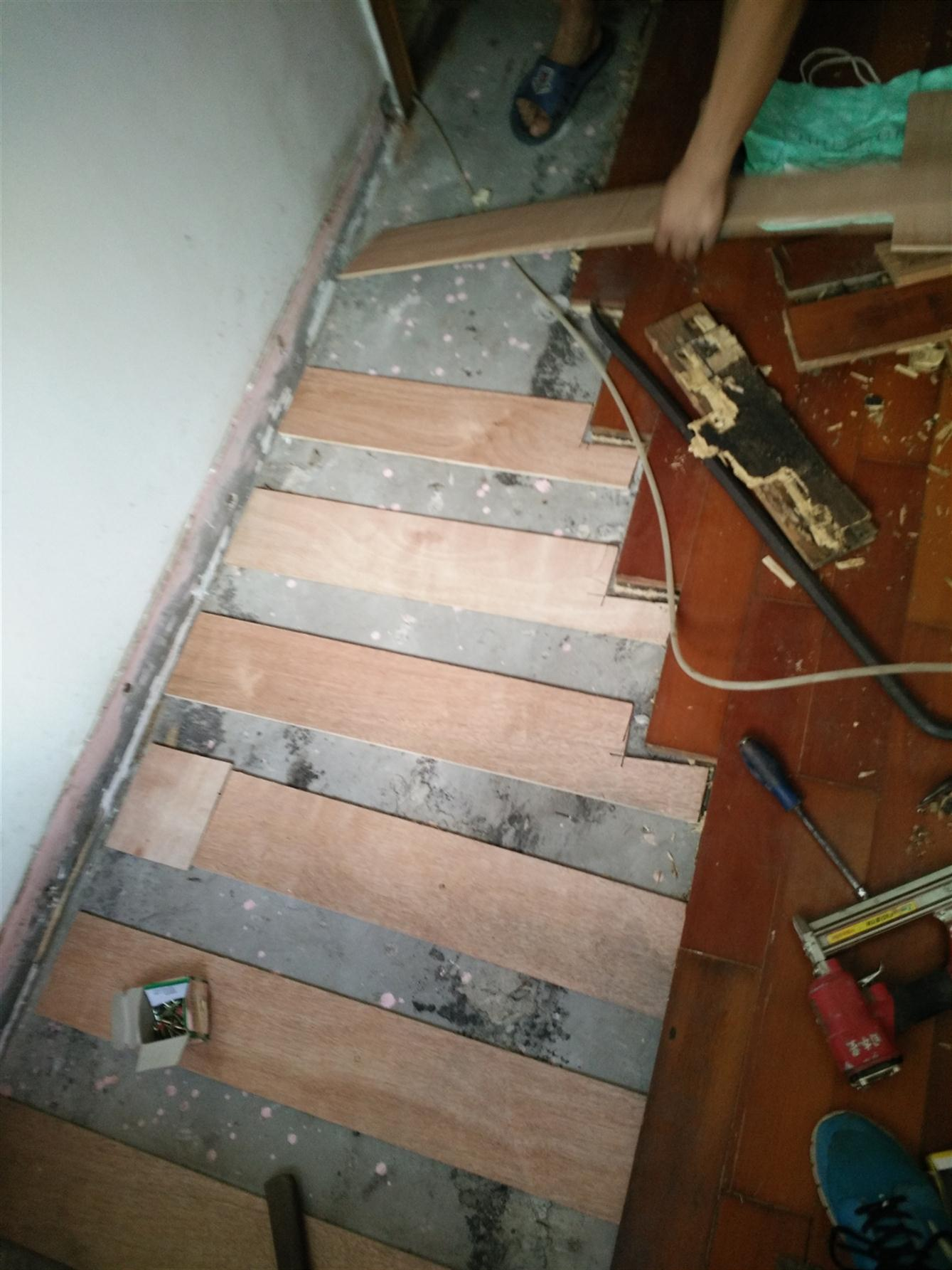 新安木地板维修加工
